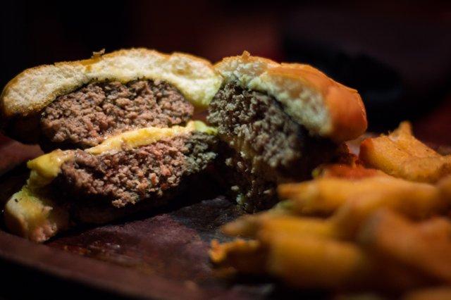 Mortimer burger closeup.jpg