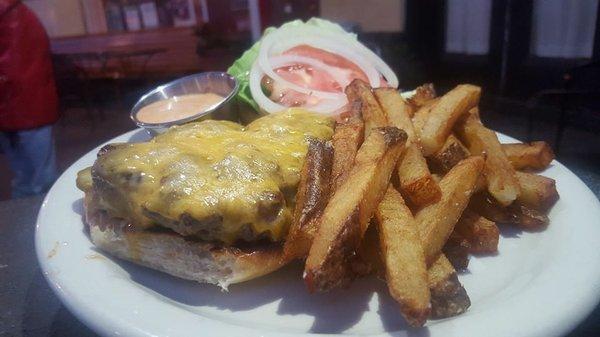 Tucker Burger4.jpg