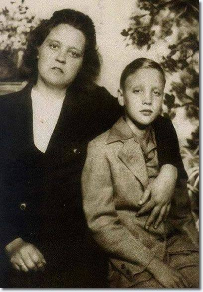look  a rare photo of elvis presley as a child with his