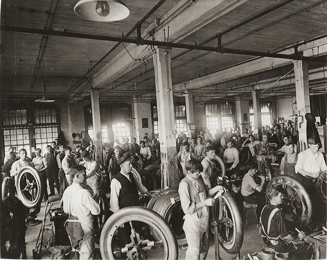 Firestone-Interior-001x.jpg