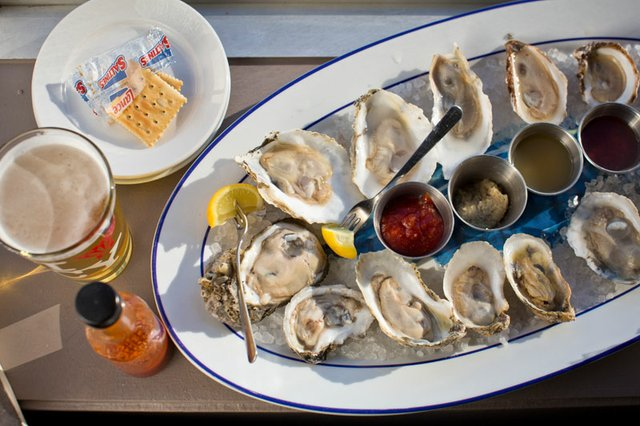 Sweet Grass Oyster Bar_P3A8408-clipped.jpg