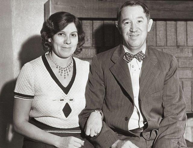 ViehBakery-EdwardVieh&Wife-1931.jpg