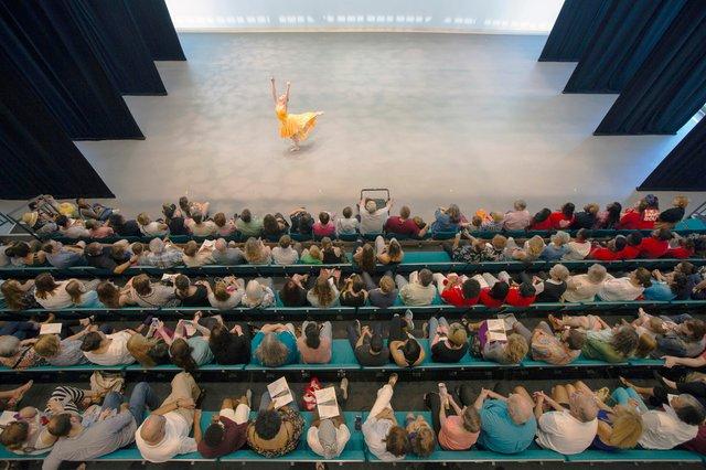 BalletMemphis-grandopening2-byLouis Tucker.jpg