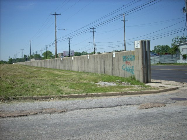 FloodWall1.jpg