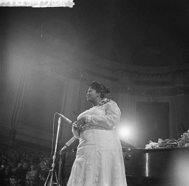 Optreden_van_Mahalia_Jackson_in_Concertgebouw,_Bestanddeelnr_912-3938.jpg