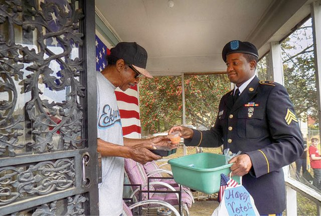 Speical_MIFA_Veterans'_Day_meals_delivery.jpg