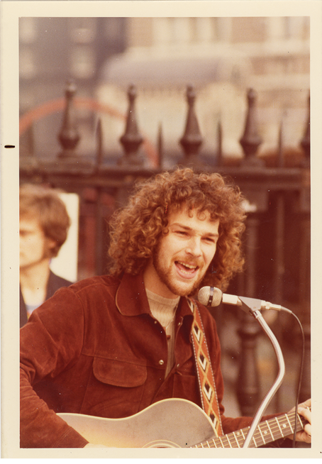 2._Chris_at_Crypt_Folk_Club_1975_photo_credit_to_David_Bell.png