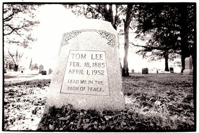 TomLeeGravestone-copy.jpg