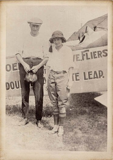Phoebe&Vernon&Plane001.jpg