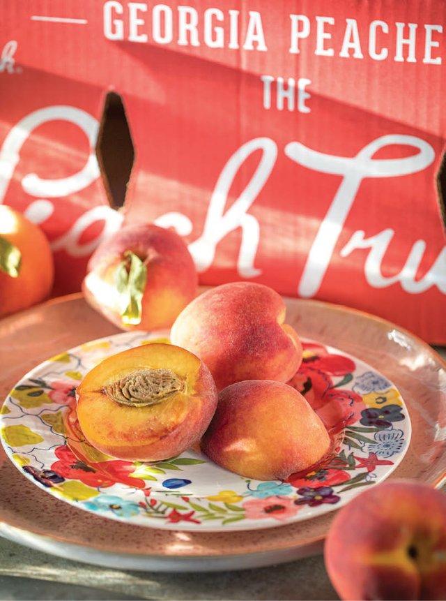 Peach_Truck_51A8307.jpg
