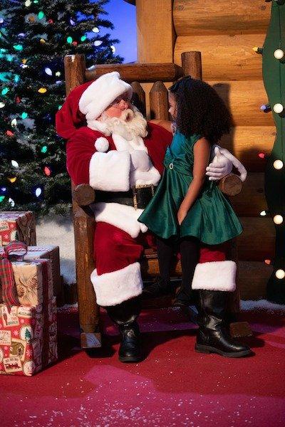 Santa's Arrival at Bass Pro Pyramid, 1 Bass Pro