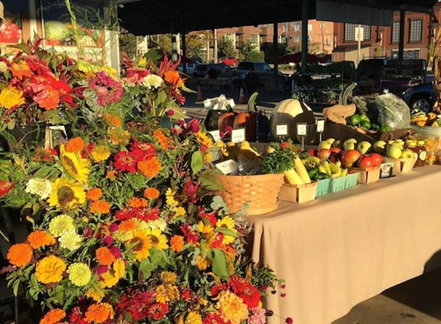 Turkey Day Market, Memphis Farmers Market