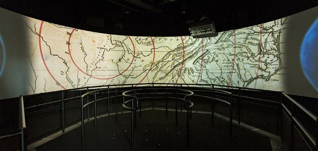 Earthquake_Map_Earthquake_Simulator_at_Discovery_Park_of_America.jpg