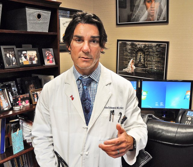 Dr. Arie Szatkowski