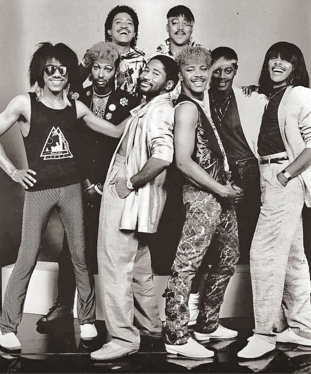 The_Bar-Kays_1980s_.jpg