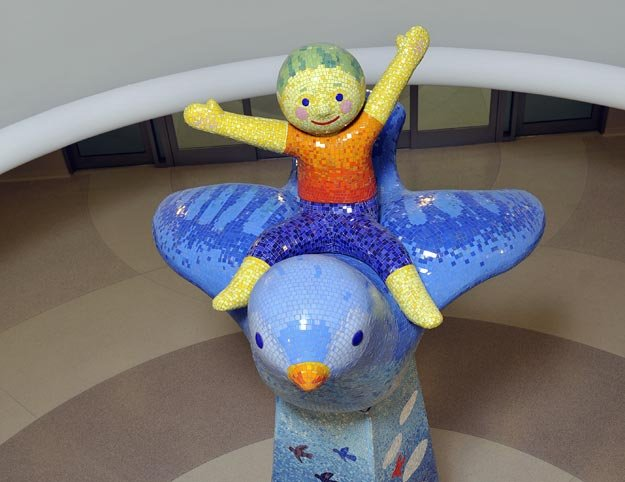 "The new Le Bonheur Children's Hospital features a fabulous art collection. The welcoming centerpiece (pictured) is ""I Can Fly!"" by Jeanne Seagle and Lea Holland, Pomegranate Studios. The Le Bonheur art collection is open to the public. To arrange a t..."