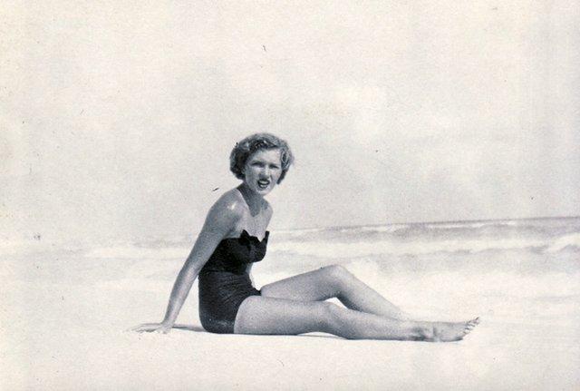 Stella-Beach1.jpg