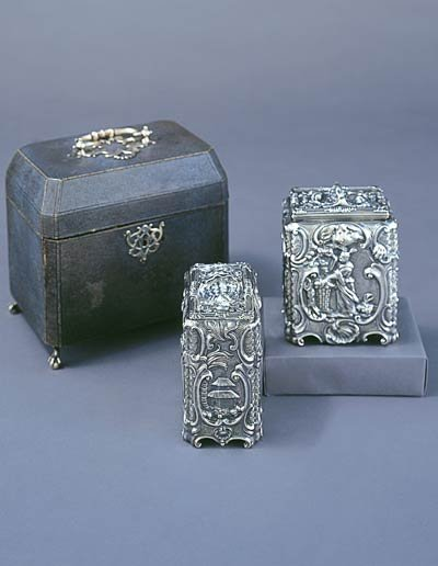 Thomas HemingEnglish (London)  TEA CANISTER AND SUGAR CANISTER IN SHAGREEN BOX, 1753