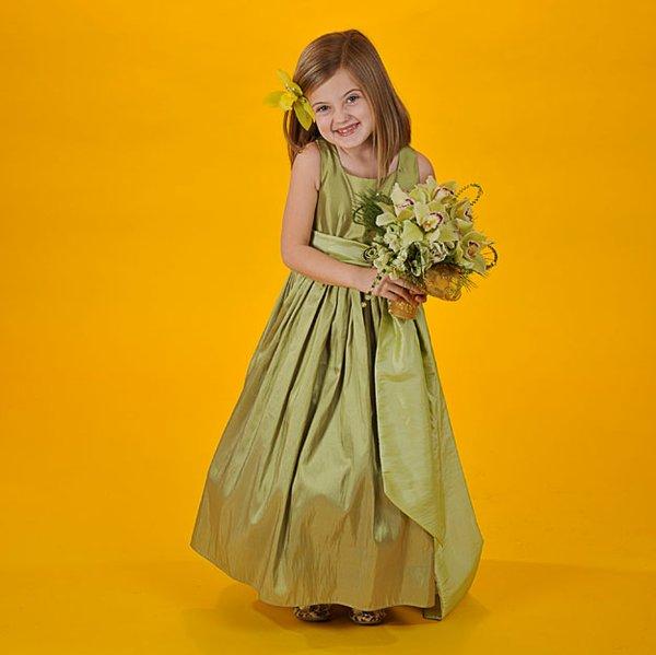 fashion_weddings_4flowergirl_DSC_5658.jpg