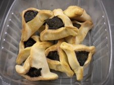 ricki closeup cookiesm.jpg