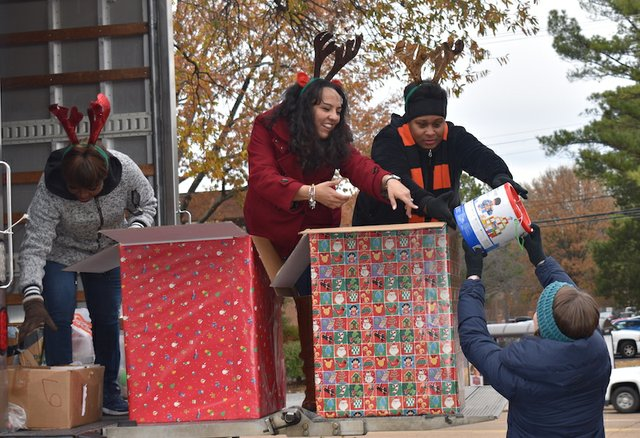 Toy Truck benefiting Porter-Leath, WMC Action News 5