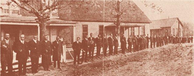 1915SchoolFront.jpg