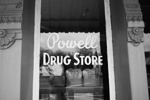 Powell_Drug_Store_by_Ralph_Eubanks.jpg