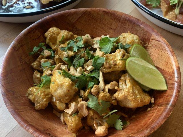 Coconut curry cauliflower