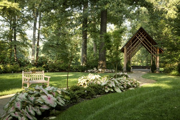 In its shady retreat planted with hydrangeas and caladiums, the Blecken Pavilion can be used for weddings and receptions – or simply for quiet reflection.