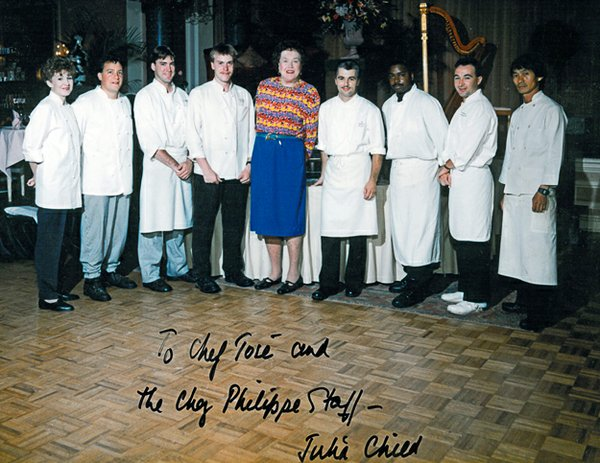 Julia Child and the Chez Phillipe staff, 1994. Gutierrez' future wife, Colleen, is on the far left.