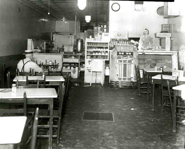 FoppianoGrill-interior-1940-MPL-blog.jpg