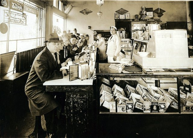 NewYorkCafe-counter-blog.jpg