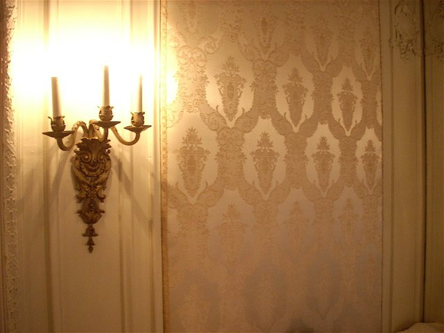 Wallpaper&Lamp.JPG