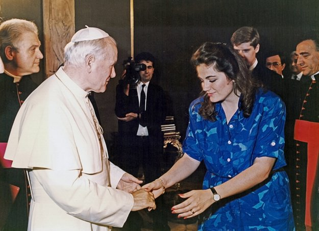 Esperian receives a blessing from Pope John Paul at The Vatican before traveling to China in 1985 to perform in La Boheme.