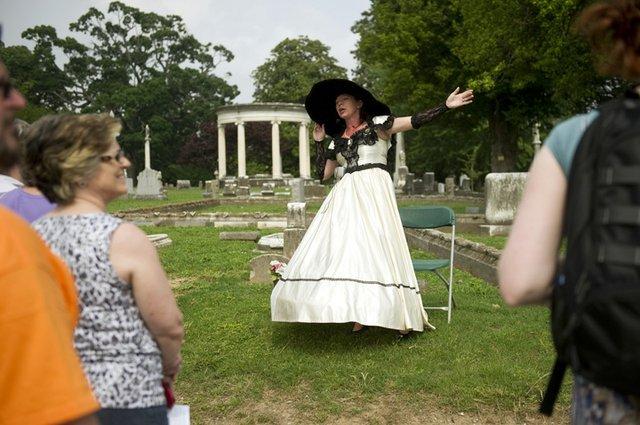 #43 -  Take a tour of Elmwood Cemetery