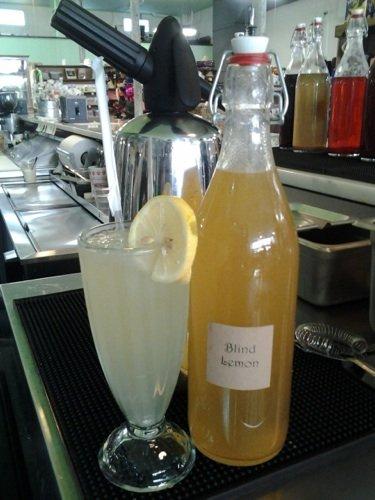 soda lemonsm.jpg