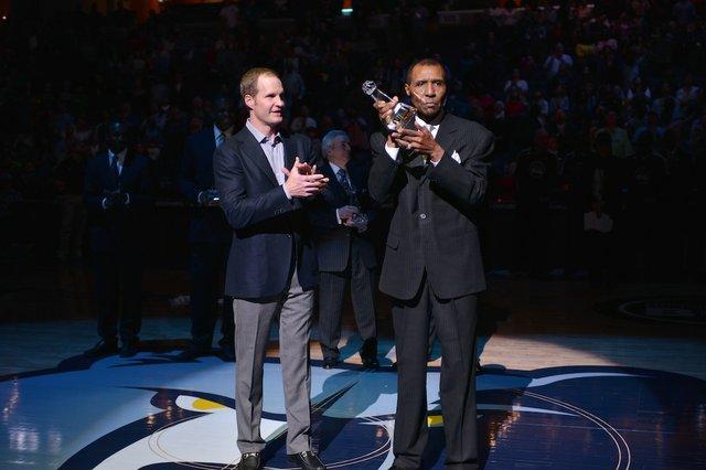 Jojo White receiving award from Spence Wilson, Jr.