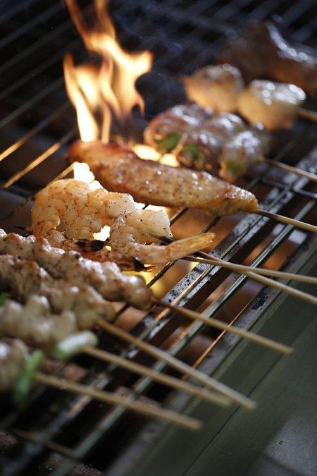 Skewer grill flamesm.jpg