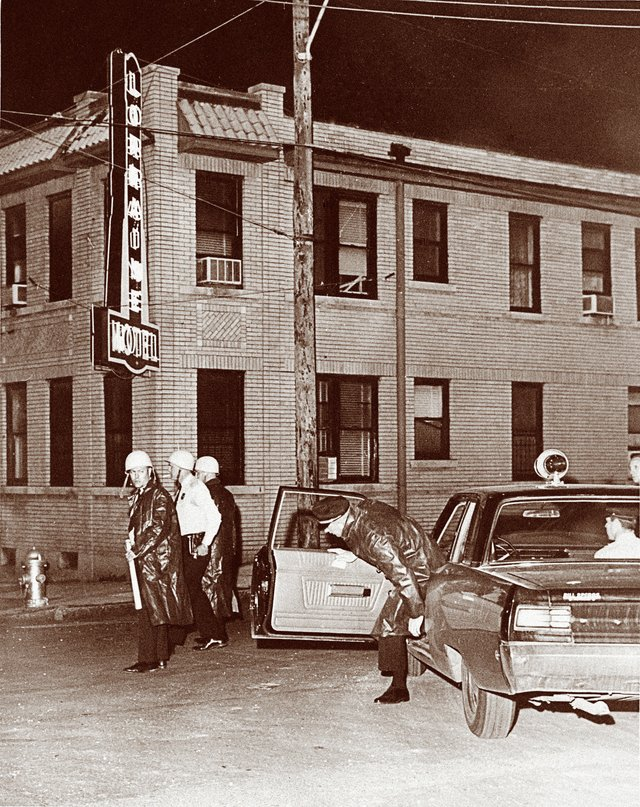 Police arrive at the Lorraine Motel on April 4, 1968.