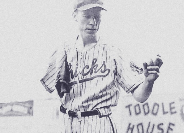 "Pete Gray, the one-armed outfielder of the Memphis club, as ""Most Courageous Athlete"" of 1943"
