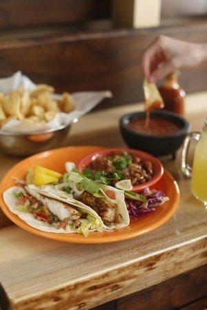 Cafe fish tacos sm.jpg