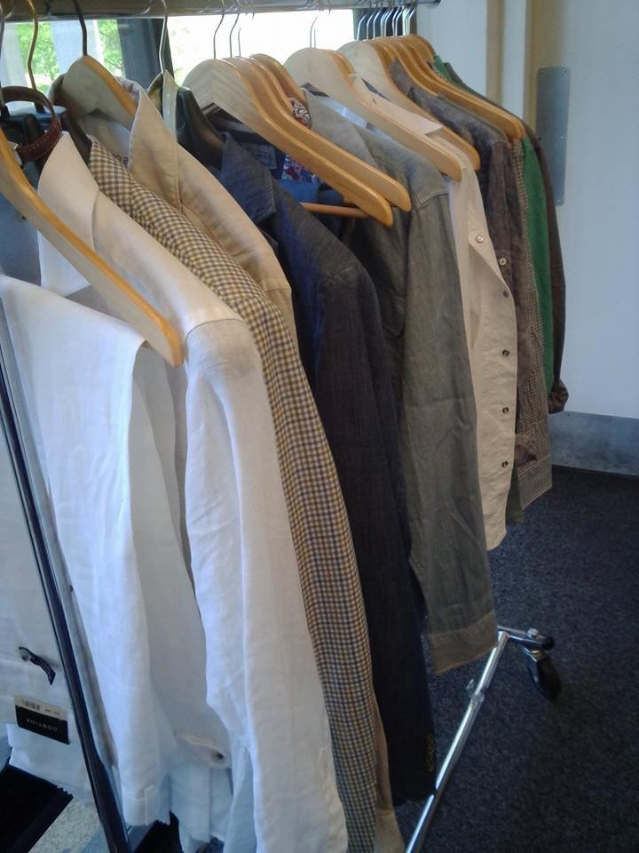 whitten men The store, called bill whitten, is scheduled to open march 4 and will carry everything from pajamas to evening wear for men and women the broad range of apparel and accessories is priced at the high end of the spectrum.