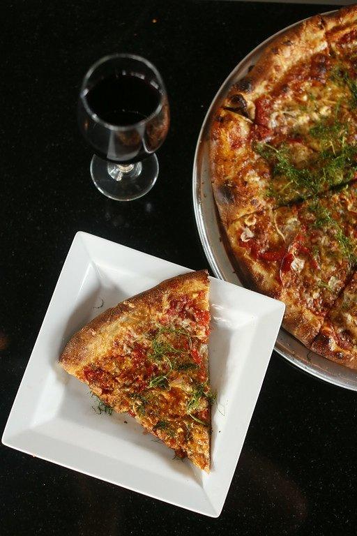 Strano pizza (2) sm.jpg