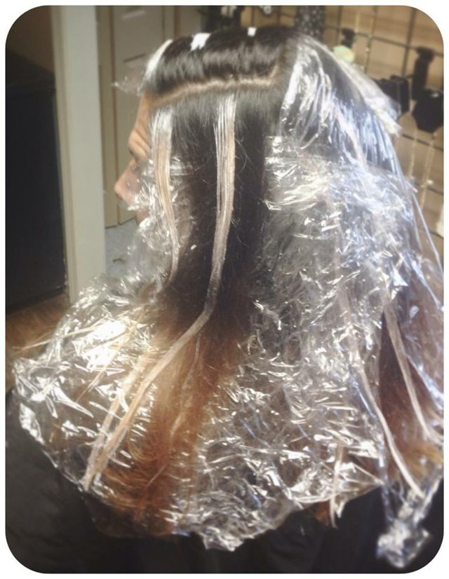 ... and here it gets complicated. Foil for the ombre and hand painting skillz wrapped in plastic for the balayage.