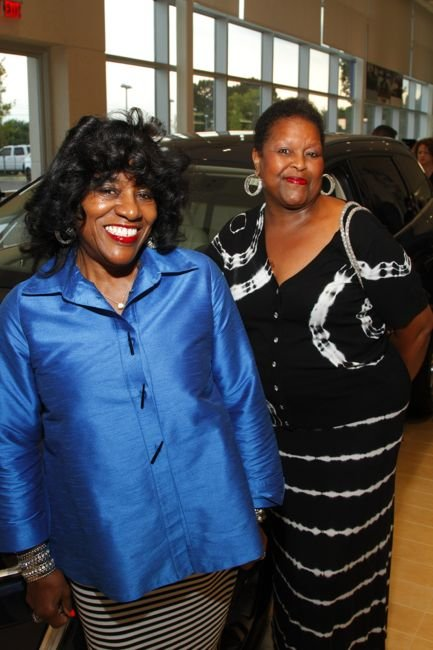 Edna Robinson and Lois Washington