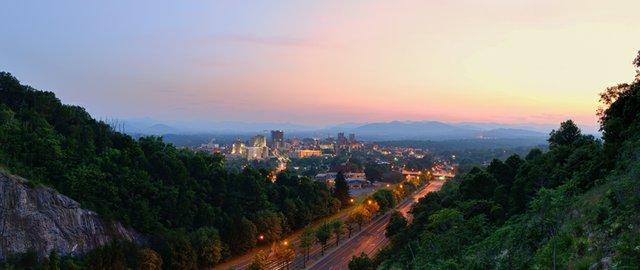 Asheville_bySeanPavone_dreamstime_xxl_25406671.jpg