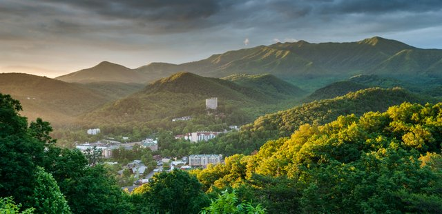 Gatlinburg_dreamstime_xxl_43427949.jpg