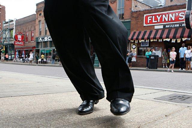 Dancing-George--Beale-Street006.jpg