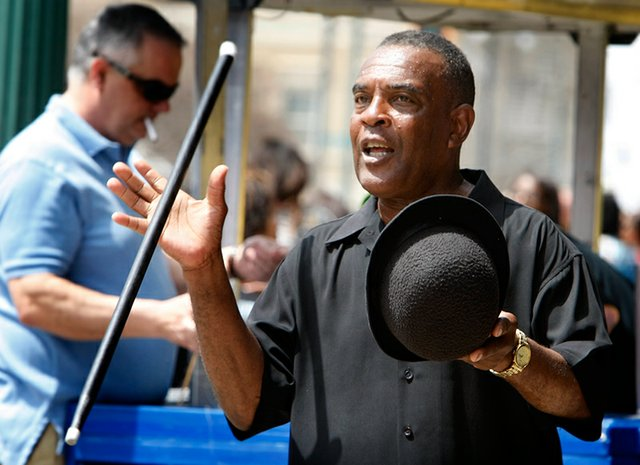 Dancing-George--Beale-Street005.jpg