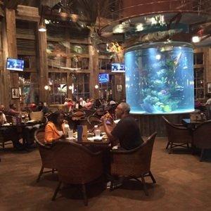 Fish restaurant with fish tank sm1.jpg